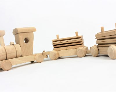 drewniany-pociag