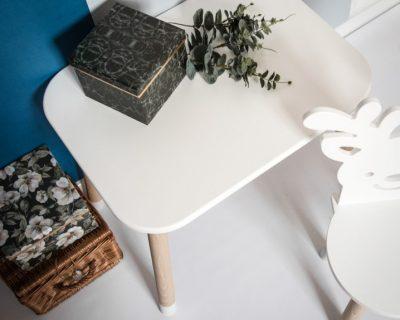 stolik do pokoju dziecka