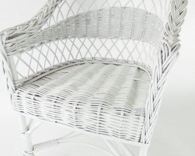 krzesełko wiklinowe dla dzieci