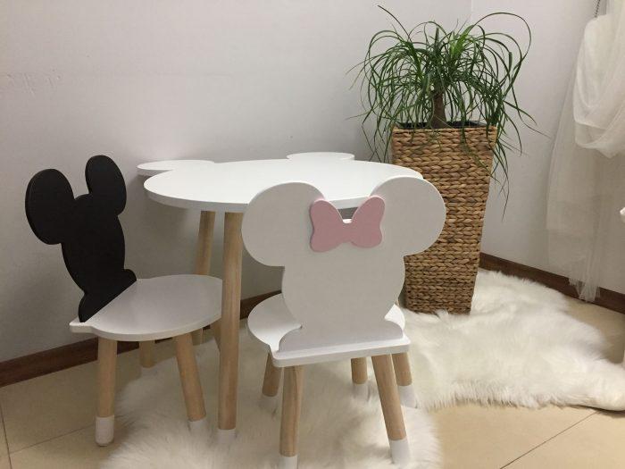 stolik dla dzieci myszka minnie