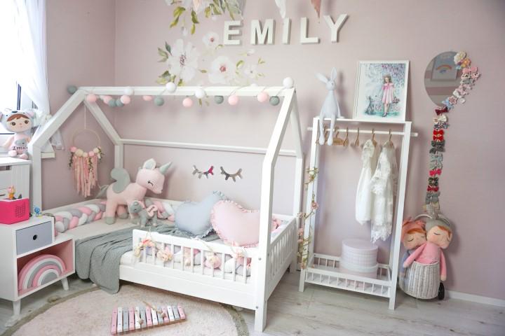 łóżko domek w stylu skandynawskim, łóżeczka domki