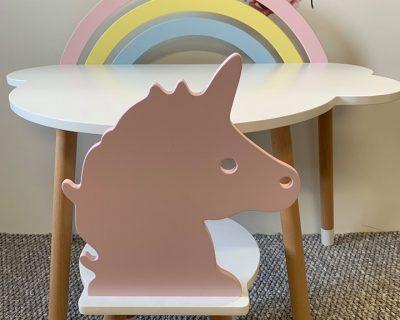 krzesełko dla dziecka w kształcie jednorożca